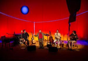 NEY COELHO | El directe d'Ofértorio, amb Zeco, Caetano, Moreno i Tom Veloso