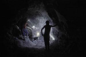 MIQUEL DEWEVER-PLANA | L'interior de les mines de Potosí, on els quítxua continuen d'extreure el que queda de la plata que va pràcticament exhaurir la corona espanyola