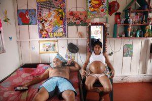 CATALINA MARTÍN-CHICO/COSMOS | Yorlandis, embarassada de vuit mesos del seu company al camp de Colinas, va haver d'avortar fins a cinc vegades quan era a la guerrilla