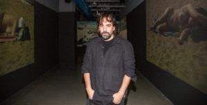HERVÉ VERONESE | Isaki Lacuesta, davant de la videoinstal·lació Les imatges eco al Centre Pompidou de París