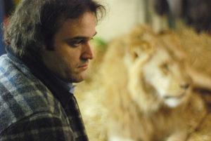 ARXIU | Imatge del segon llargmetratge de Llinás, <em>Historias extraordinarias</em>, amb l'actor Walter Jacob