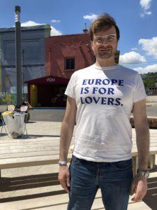 L'italià Giuseppe Porcaro, autor de la distòpica novel·la <em>Disco sour</em>, a l'European Lab Camp de Lió