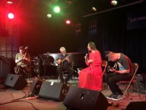 VICENÇ BATALLA | Vicent Pérez, Javier Pedreira, Mariola Membrives y Dani Pérez, en su actuación en la Nova Jazz Cava de Terrassa