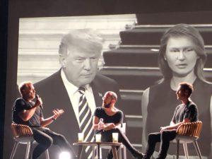 VICENÇ BATALLA | L'enginyer tecnològic Andrew Melchior, el periodista Peter Kim i Robert Del Naja, membre dels Massive Attack, a la conversa del Sónar+D amb una curiosa foto deformada de la parella presidencial dels Estats Units darrera