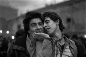 ALBERTO GARCÍA-ALIX | <em>Eduardo y Lirio</em>, epígraf de la foto que va fer García-Alix del poeta malaït Eduardo Haro Ibars i el seu company Ángel Luis Martínez Lirio