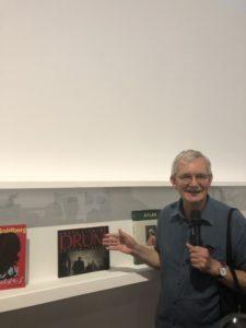 VICENÇ BATALLA | L'anglès Martin Parr, explicant la seva selecció per a l'exposició 50 anys, 50 llibres