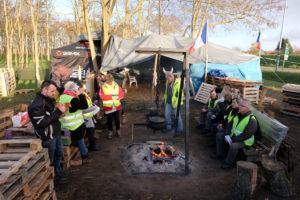 © ÉRIC HADJ PER PARIS MATCH | Un campament de les armilles grogues prop de Sens, a la Borgonya, el 30 de novembre de 2018