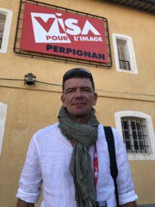 VICENÇ BATALLA | El fotoperiodista francès Olivier Coret, autor de l'exposició Gilets jaunes, al Visa pour l'Image de Perpinyà