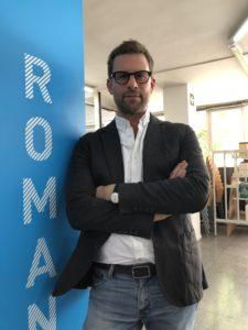 VICENÇ BATALLA | L'escriptor francès Nicolas Mathieu a la biblioteca de l'Institut Francès de Barcelona, al setembre passat