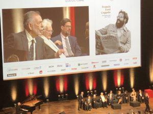 VICENÇ BATALLA | Bertrand Tavernier, entre Francis Ford Coppola i el fill d'aquest Roman, a l'entrega del Premi Lumière 2019