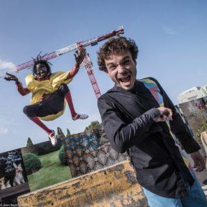 JB JOIRE | Mara Seck exhibint un dels salts del sabar, amb Stéphane Constantini posant-hi el crit