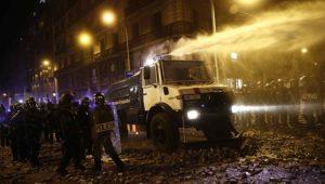 WIKIMEDIA COMMONS | Camió d'aigua dels Mossos d'Esquadra per dispersar els manifestats independentistes, a la plaça Uquinaona a l'octubre del 2019