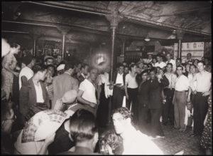 AGUSTÍ CENTELLES | El cabaret La Criolla el 1934, en una imatge d'un dels fotògrafs referents d'aquesta època
