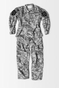 LAIA ABRIL | L'uniforme que portava a l'exèrcit estatunidenc la Meredith, que va ser violada durant un any per un comandament superior