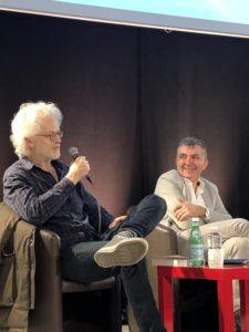 VICENÇ BATALLA | Santiago Amigorena, durante el encuentro en Bron sobre la memoria y el olvido con el escritor aragonés Manuel Vilas