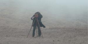 ARCHIVO | El fotógrafo protagonista en Blanco en blanco, de Théo Court, película ganadora del Cinélatino 2020 celebrado de forma virtual