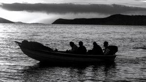 ARXIU | El blanc i negre de <em>Sirena</em>, de Carlos Piñeiro, que transcorre al llac Titicaca