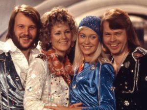 ARCHIVO | Los cuatro componentes de Abba, el día que ganaron el concurso de Eurovisión en Brighton con <em>Waterloo</em>