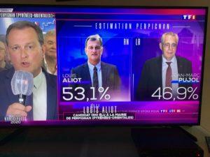 ARXIU | Louis Aliot, contestant les preguntes de la primera cadena privada francesa TF1 després de la seva victòria a Perpinyà