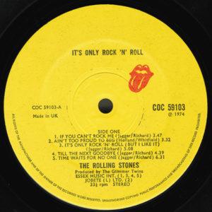 ARCHIVO | La cara A del vinilo <em>It's only rock 'n' roll (but I like it)</em>, de los Rolling Stones, en 1974