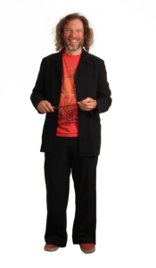 JOEL HERNÁNDEZ | Serge Vilamajó, en la seva versió de director d'orquestres i bandes sonores