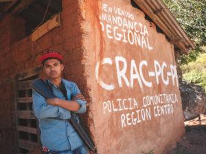 ALFREDO BOSCO/LUZ AMB LE FIGARO MAGAZINE | Membre d'un grup d'autodefensa a Rincón de Chautla, a la regió central de l'Estat mexicà de Guerrero, al gener del 2019