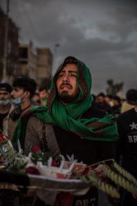 ÉMILIENNE MALFATO/THE WASHINGTON POST | Un homme en pleurs pendant le cortège funèbre par la mort d'un manifestant à Bagdad le 17 janvier 2020