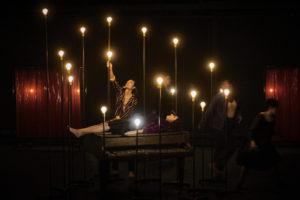 CHRISTOPHE RAYNAUD DE LAGE | El mite d'Orfeu, la mort i l'infern impregnen la visió exuberant de Jean Bellorini a El joc de les ombres