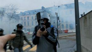 LE BUREAU/JOUR2FÊTE | Una de las imágenes analizadas en el documental Un pays qui se tient sage, de David Dufresne