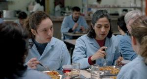 ARXIU | La chica nueva, de Micaela Gonzalo, la pel·lícula guanyadora del Cinélatino amb l'actriu, a l'esquerra, Mora Arenillas
