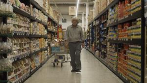 ARXIU | El salvadoreny Manuel Sorto, actor de rol ambigu al film mexicà <em>Uzi</em>, de José Luis Valle