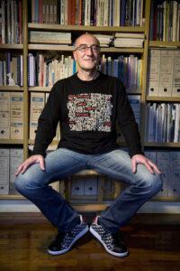©DR | El guionista espanyol de còmic i assagista Antonio Altarriba, al seu lloc de treball