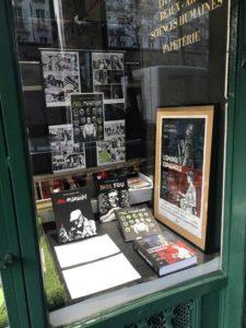 ARXIU |El díptic <em>L'epopeia espanyola</em> (<em>El arte de volar</em>; <em>El ala rota</em>) i la trilogia del <em>jo</em>, editats en francès per Denoël Graphic, i aquí exposats a la llibreria L'Écume des Pages al bulevard parisenc de Saint Germain