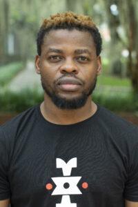 ARCHIVO | El coreógrafo nigeriano Qudus Onikeku, protagonista con <em>Re-Incarnation</em> en 2021 de la Bienal de Danza de Lyon y también del Grec de Barcelona