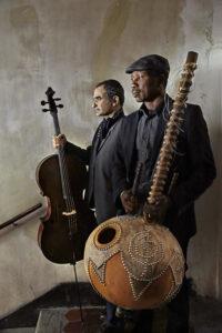 CLAUDE GASSIAN   Vincent Ségal, con su violoncelo, y Ballaké Sissoko, con su kora