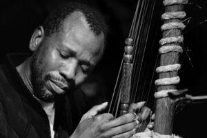 YANIS BAYBAUD | Ballaké Sissoko, el malí virtuoso de la kora compenetrándose con su instrumento