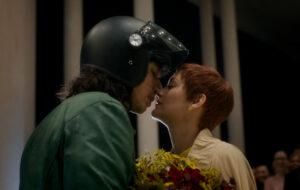 CG CINÉMA INTERNATIONAL | Le baiser d'ouverture d'Adam Driver et Marion Cotillard dans Annette, le premier film en compétition au Festival de Cannes 2021