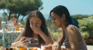 ARCHIVE | Les personnages de la catalane Nora (Maria Morera) et de la colombienne Libertad (Nicolle García) pendant l'été de leurs quinze ans