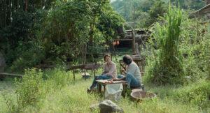 KICK THE MACHINE | Tilda Swinton y Elkin Día, conversando en el bosque colombiano sobre las almas de la naturaleza, en <em>Memoria</em>, de Apichatpong Weerasethakul