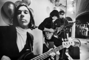 ARCHIVE   Une image d'époque de trois des quatre membres originaux du Velvet Underground dans le documentaire de Todd Haynes : John Cale, Sterling Morrison et Lou Reed, avec Moe Tucker hors du cadre