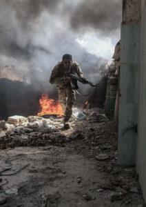 SAMEER AL-DOUMY/AFP | Un combattant rebelle de l'Armée de l'Islam dans le village de Tal al-Siwan, dans le district de Douma, près de Damas, en septembre 2016