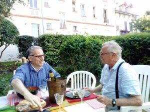 VICENÇ BATALLA | L'historiador Lasha Otkhmezuri, coautor amb Jean Lopez de <em>Barbarossa 1941. La guerre absolue</em>, i Philippe Torrens, el corrector del llibre, a casa del primer